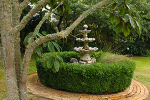 Springhill-garden-fountain-2